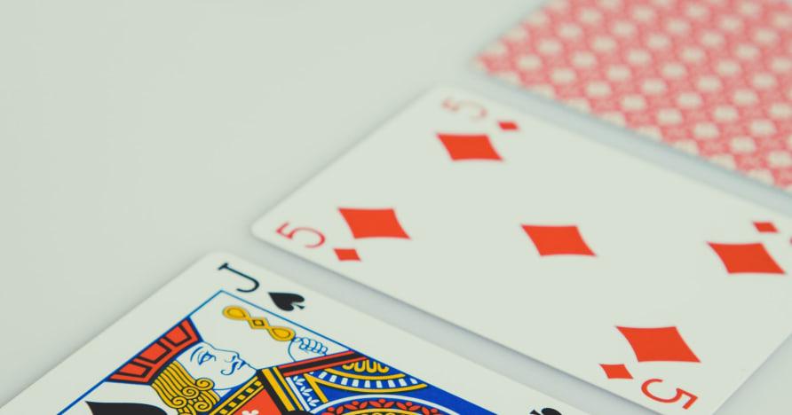 Estrategia de blackjack en vivo